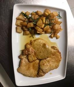 Scaloppine al vino bianco e patate al forno